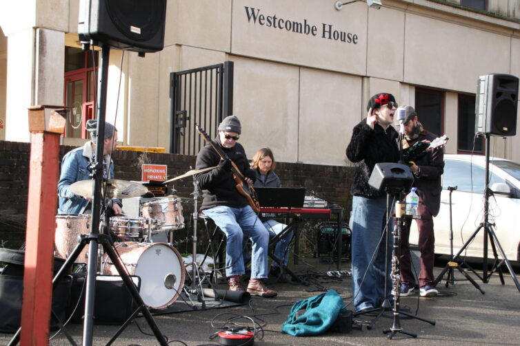 Insafe's Velo House hosts band and beer station for Tunbridge Wells Half Marathon